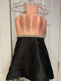 Ashley Lauren Multicolor Size 4 Homecoming Halter Cocktail Dress on Queenly