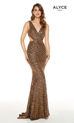 Style 60816 Alyce Paris Gold Size 16 Halter Plus Size Mermaid Dress on Queenly
