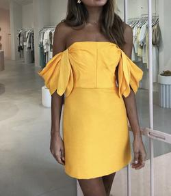 Yellow Size 2 Cocktail Dress on Queenly