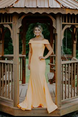 Madison James Yellow Size 6 Straight Dress on Queenly