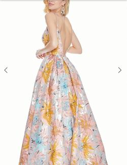 Ashley Lauren  Multicolor Size 6 Floral Jewelled V Neck A-line Dress on Queenly