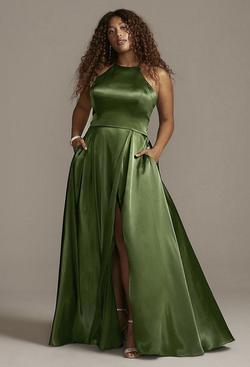 Green Size 22 Side slit Dress on Queenly