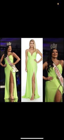 Ashley Lauren Green Size 4 Straight Dress on Queenly