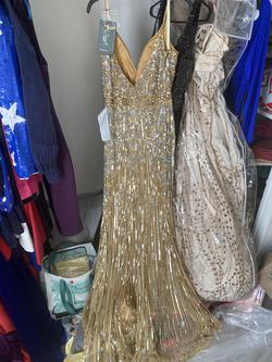 Mac Duggal Gold Size 12 Straight Dress on Queenly