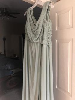 Davids Bridal Green Size 18 Cocktail Dress on Queenly