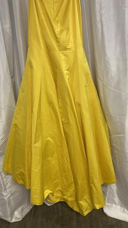 Sherri Hill Yellow Size 4 Mermaid Dress on Queenly