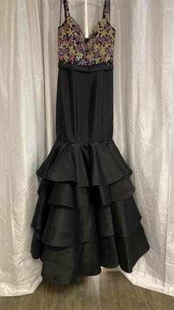 Jovani Black Size 6 Mermaid Dress on Queenly