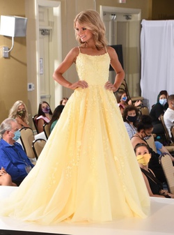 Style 53116 Sherri Hill Yellow Size 0 Custom Pageant Ball gown on Queenly