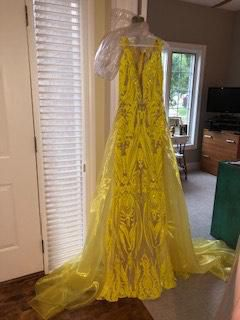 Yellow Size 2 Train Dress on Queenly