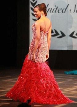 Mac Duggal Red Size 4 Tall Height Feather Mermaid Dress on Queenly