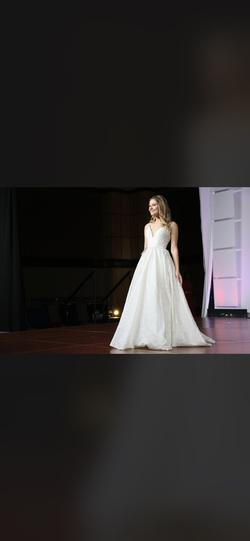 White Size 00 Ball gown on Queenly