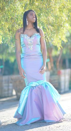 Larissa Couture LV Pink Size 6 Mermaid Dress on Queenly