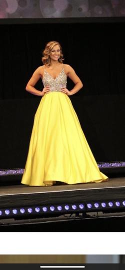Ashley Lauren Yellow Size 4 V Neck Ball gown on Queenly