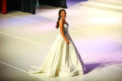 White Size 0 Ball gown on Queenly