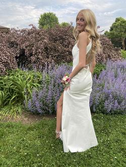 Sherri Hill White Size 0 Wedding Straight Dress on Queenly