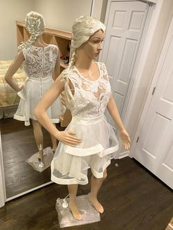 Simply Dresses White Size 12 Prom Cocktail Dress on Queenly