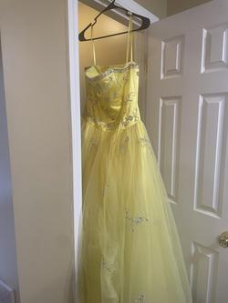 Yellow Size 8 Train Dress on Queenly