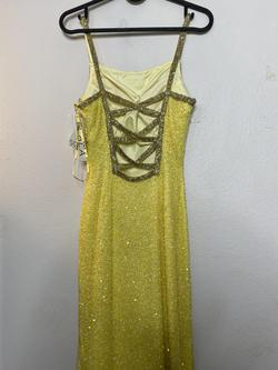 Yellow Size 2 Straight Dress on Queenly