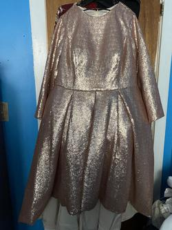 Gold Size 22 Ball gown on Queenly
