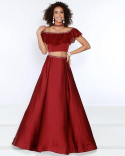 Style 91455 2Cute Prom Red Size 12 Tall Height A-line Dress on Queenly