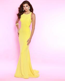 Style 91550 2Cute Prom Yellow Size 0 Mermaid Dress on Queenly