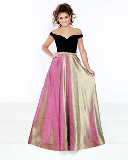 Style 91604 2Cute Prom Gold Size 26 Pageant Silk Ball gown on Queenly