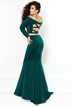 Style 81049 2Cute Prom Green Size 10 Pageant Tall Height Mermaid Dress on Queenly