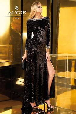 Style 2195 Alyce Paris Black Size 8 Long Sleeve Side slit Dress on Queenly