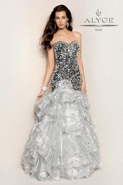 Style 6008 Alyce Paris Silver Size 0 Ruffles Mermaid Dress on Queenly