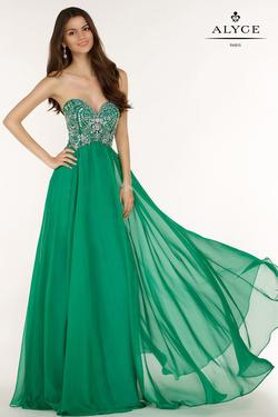 Style 6682 Alyce Paris Green Size 10 Tulle Sweetheart Tall Height Straight Dress on Queenly