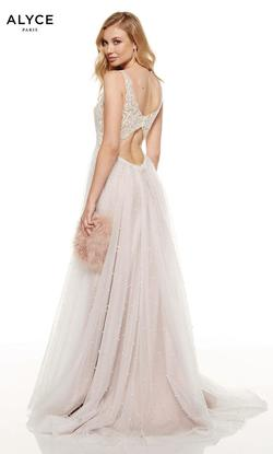 Style 60686 Alyce Paris White Size 0 Prom Plunge A-line Dress on Queenly