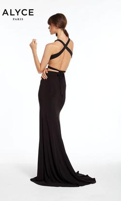 Style 1379 Alyce Paris Black Size 2 Plunge Tall Height Mermaid Dress on Queenly