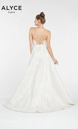 Style 1437 Alyce Paris White Size 0 Plunge Ball gown on Queenly