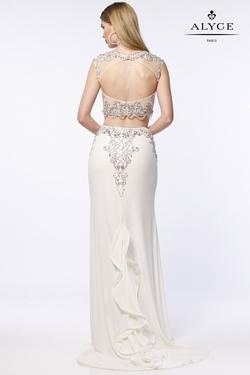 Style 6704 Alyce Paris White Size 4 Jersey Prom Mermaid Dress on Queenly