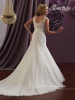 Style 3Y619 Mary's White Size 2 Lace V Neck Mermaid Dress on Queenly