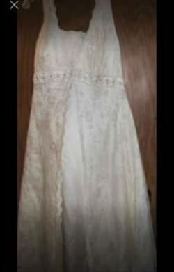 David's Bridal  White Size 16 Wedding Straight Dress on Queenly
