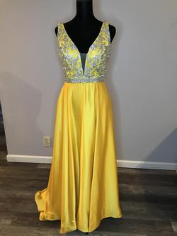 Yellow Size 0 Side slit Dress on Queenly