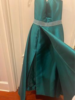 Ellie Wilde Green Size 4 Side slit Dress on Queenly