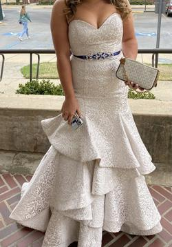 White Size 10 Mermaid Dress on Queenly