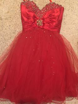 Mori Lee Red Size 6 Cocktail Dress on Queenly