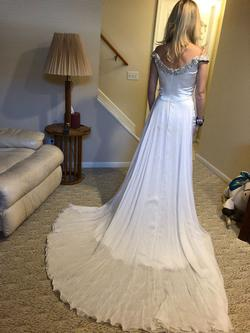 Shawn Yearick White Size 2 Tulle Train Dress on Queenly