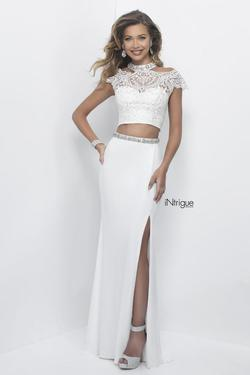 Style 292_Intrigue Blush Prom White Size 10 High Neck Jersey Side slit Dress on Queenly