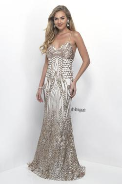 Style 315_Intrigue Blush Prom Gold Size 2 Ivory Mermaid Dress on Queenly