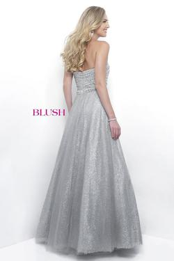 Style 5615 Blush Prom Silver Size 4 Pageant Ball gown on Queenly