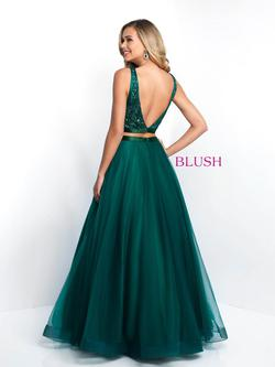 Style 5670 Blush Prom Green Size 6 Emerald Ball gown on Queenly