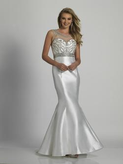Style A6294 Dave & Johnny White Size 10 Dave And Johnny Tall Height Mermaid Dress on Queenly