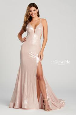 Style EW120031 Ellie Wilde Light Pink Size 4 Pageant V Neck Side slit Dress on Queenly