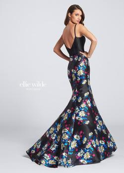 Style EW21710 Ellie Wilde Black Size 4 Floral Tall Height Mermaid Dress on Queenly