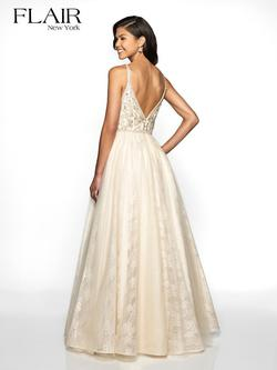 Style 19101 Flair Prom Gold Size 0 Lace Prom Tulle A-line Dress on Queenly