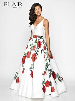 Style 19048 Flair Prom White Size 10 Prom Plunge Ivory A-line Dress on Queenly